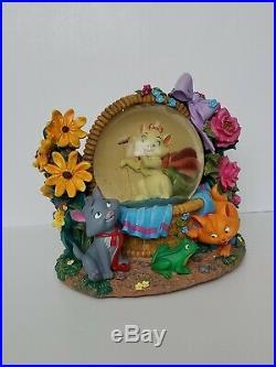 DISNEY Aristocats in Basket RETIRED Musical Snow Globe RARE in original box