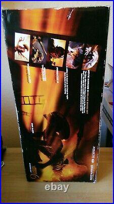 McFarlane Movie Maniac Alien Queen Deluxe Figure Box Set diorama mega rare oop
