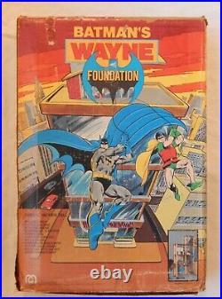RARE 1977 Original vintage MEGO DC comics BATMAN WAYNE FOUNDATION Playset with Box