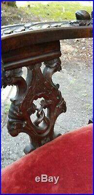 RARE ANTIQUE 19c. SCOTTISH CARVED WALNUT RENAISSANCE STYLE CORNER CHAIR