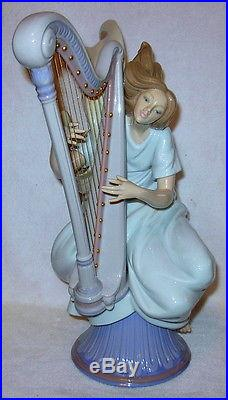 Very Rare Porcelain Figurene #6312 The Harpist by LLADRO with Original Box